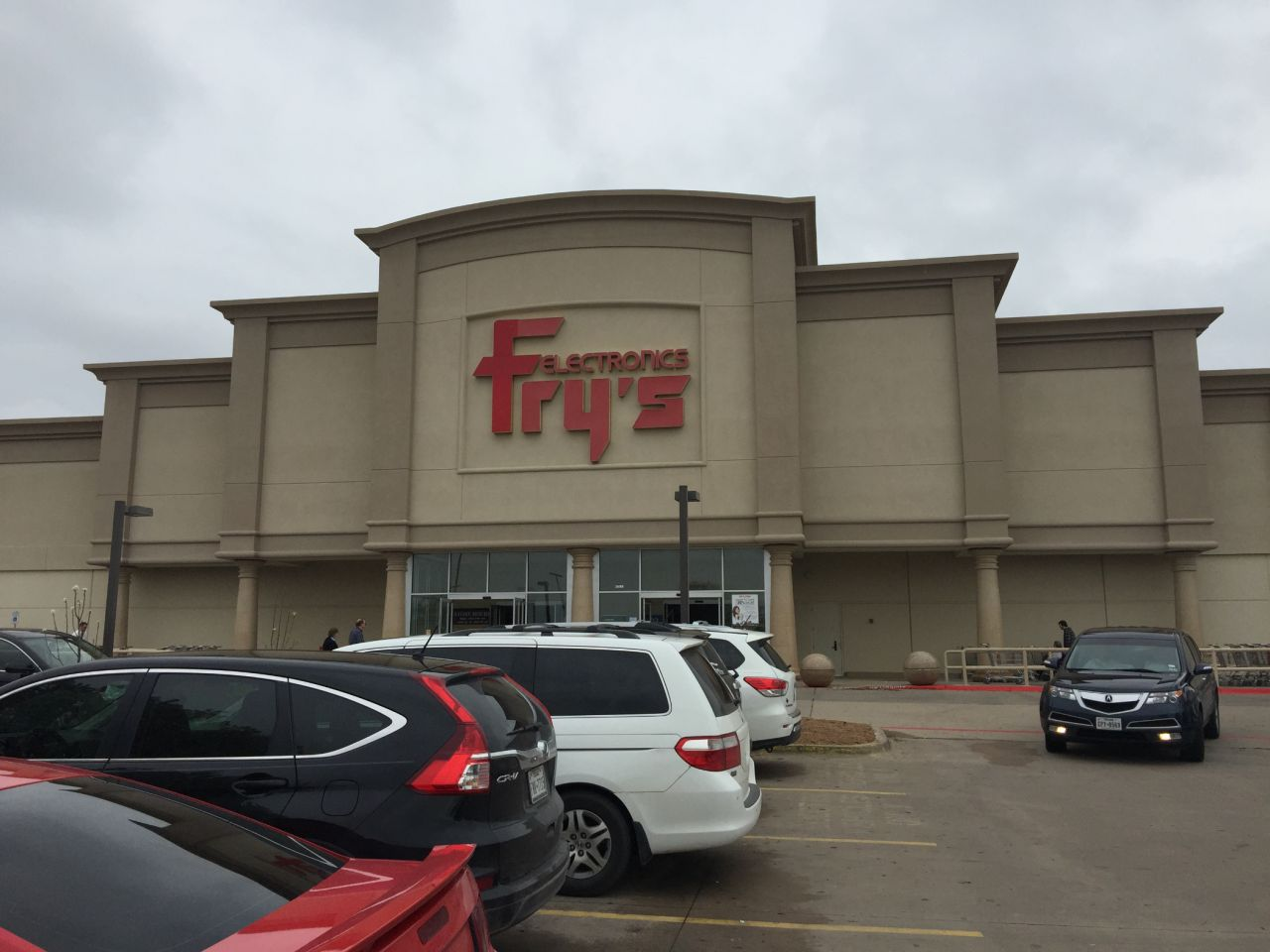 Fry's Electronics Irving, TX Daytime